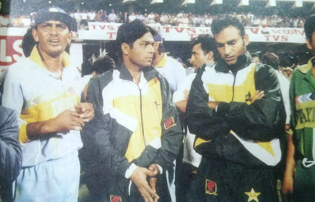 Sohail is seen on the right above the wicket keeper Rashid Latif and Indian captain Muhammad Azharuddin.