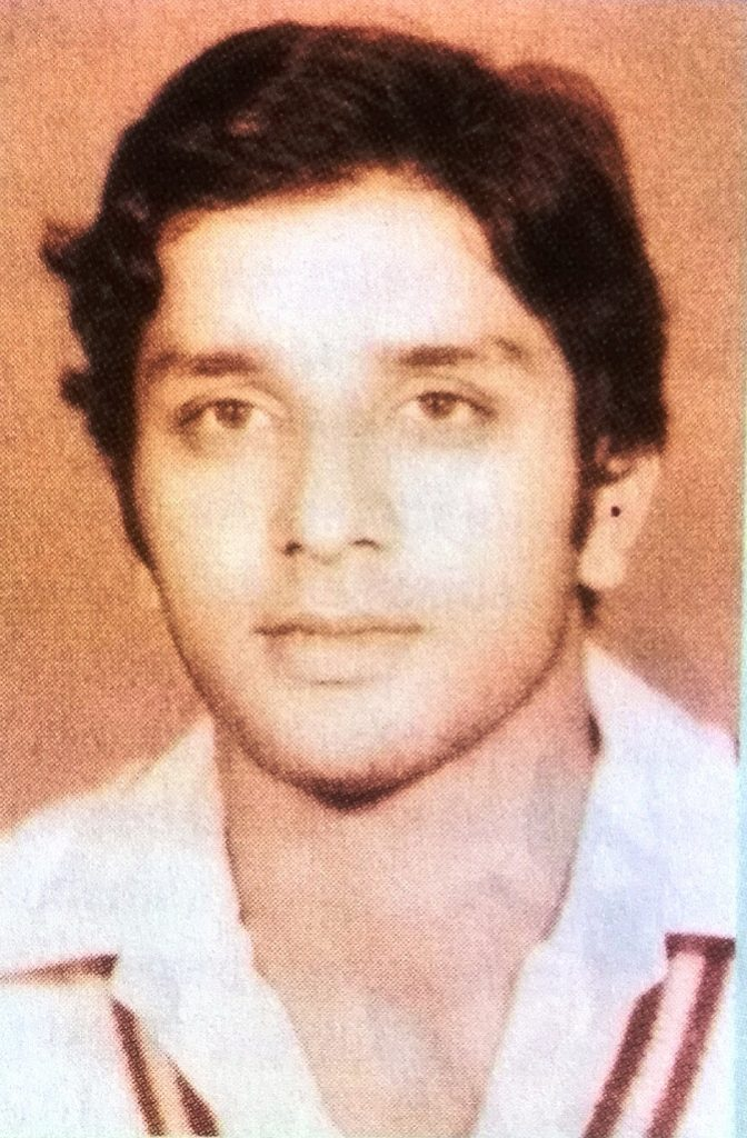 Right arm Medium fast bowler Aamer Hameed was born on October 18, 1954 at Lahore. He didn't play Test cricket for Pakistan.