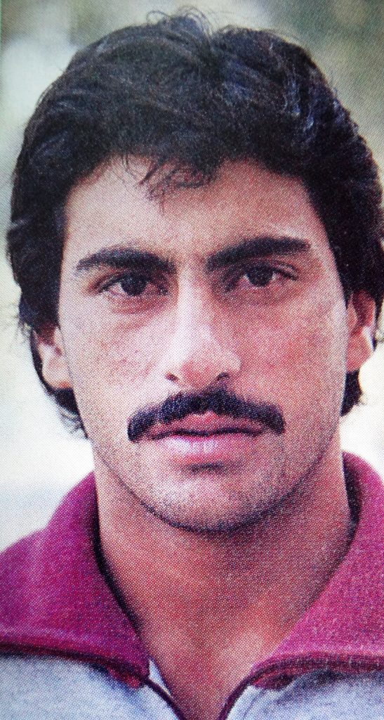 Mohsin Kamal was former Pakistani right arm medium fast bowler. Who was born on June 16, 1963, in Faisalabad, Punjab. He played 9 Tests and 19 ODIs from 1984 to 1994.