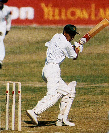 Hasan Raza batting on debut when it was claimed he was 14