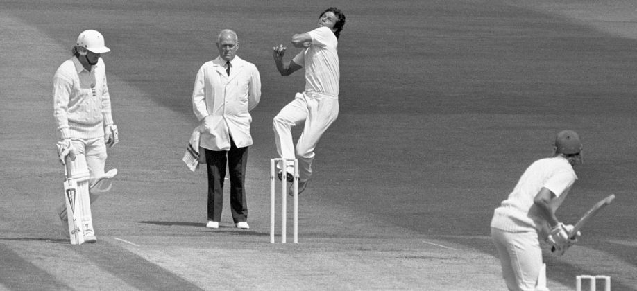 Imran Khan bowls, England v Pakistan, 3rd Test, Headingley, 1st day, July 2, 1987