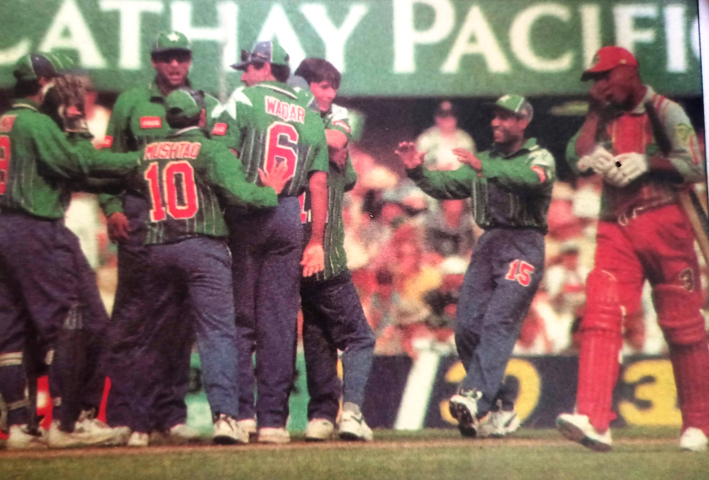 Pakistan was the winners of Carlton & United Series at MCG in Jan 2997. The picture shows a very crucial moment in the second of the best-of-three finals.