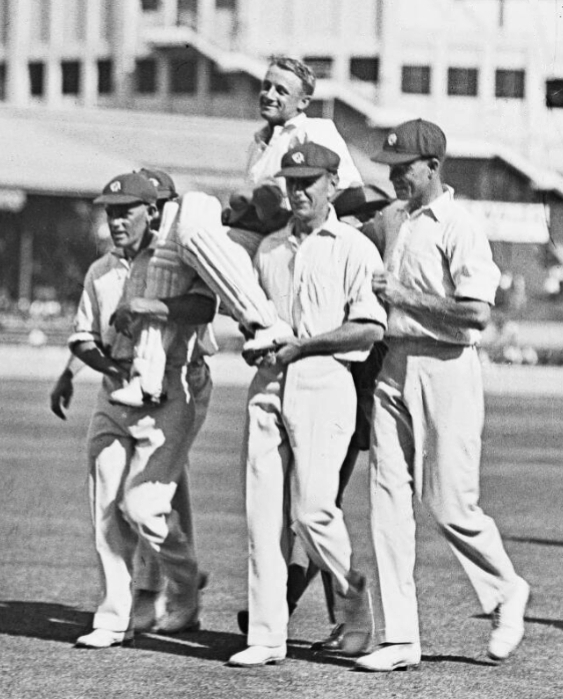 Don Bradman chaired from the ground after scoring his 452 in 1929-30