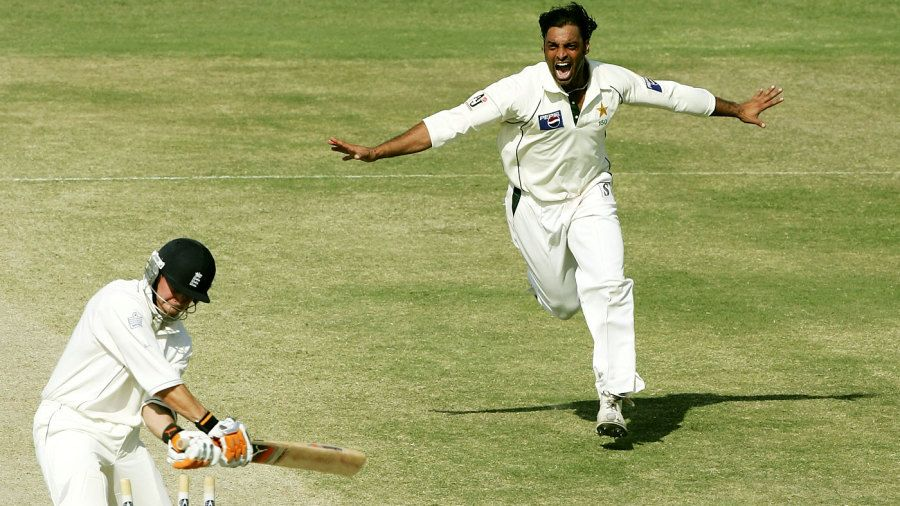 Pakistan Conquers England at Multan in 2005. England started off as favorites due to their much-hyped performance in the Ashes series against Australia.