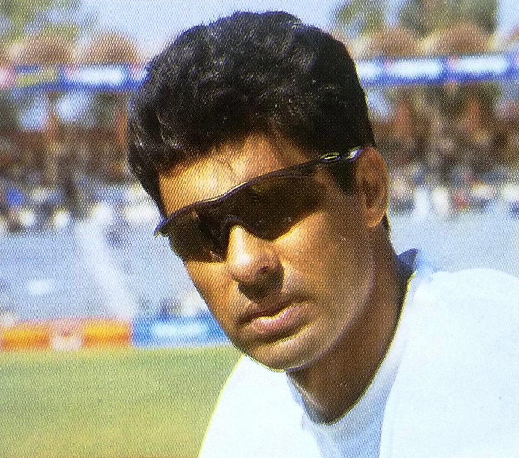 Few bowlers have emerged to make a more sensational impact in international cricket scene than Waqar Younis arrival at the end of the 1980s.