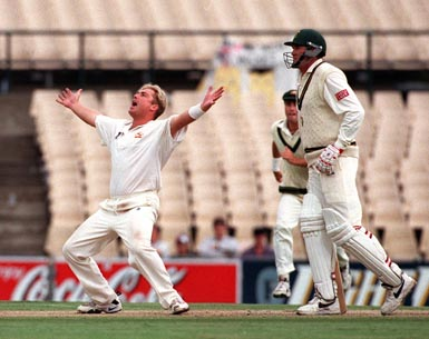 Shane Warne looks to the heavens after clean bowling Jacques Kallis to take his 300th test wicket ..Aust v South Africa, 2nd Test Day 4 at the SCG, Monday january 5th 1998 Photographed by Rob Cox