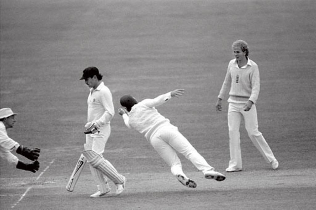 Allan Border thinks he is caught by Mike Gatting off Phil Edmonds, but Gatting fails to control the catch.