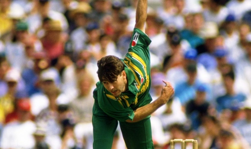 Former South African Medium Fast Bowler Richard Snell was born on 12 September 1968 in Durban.