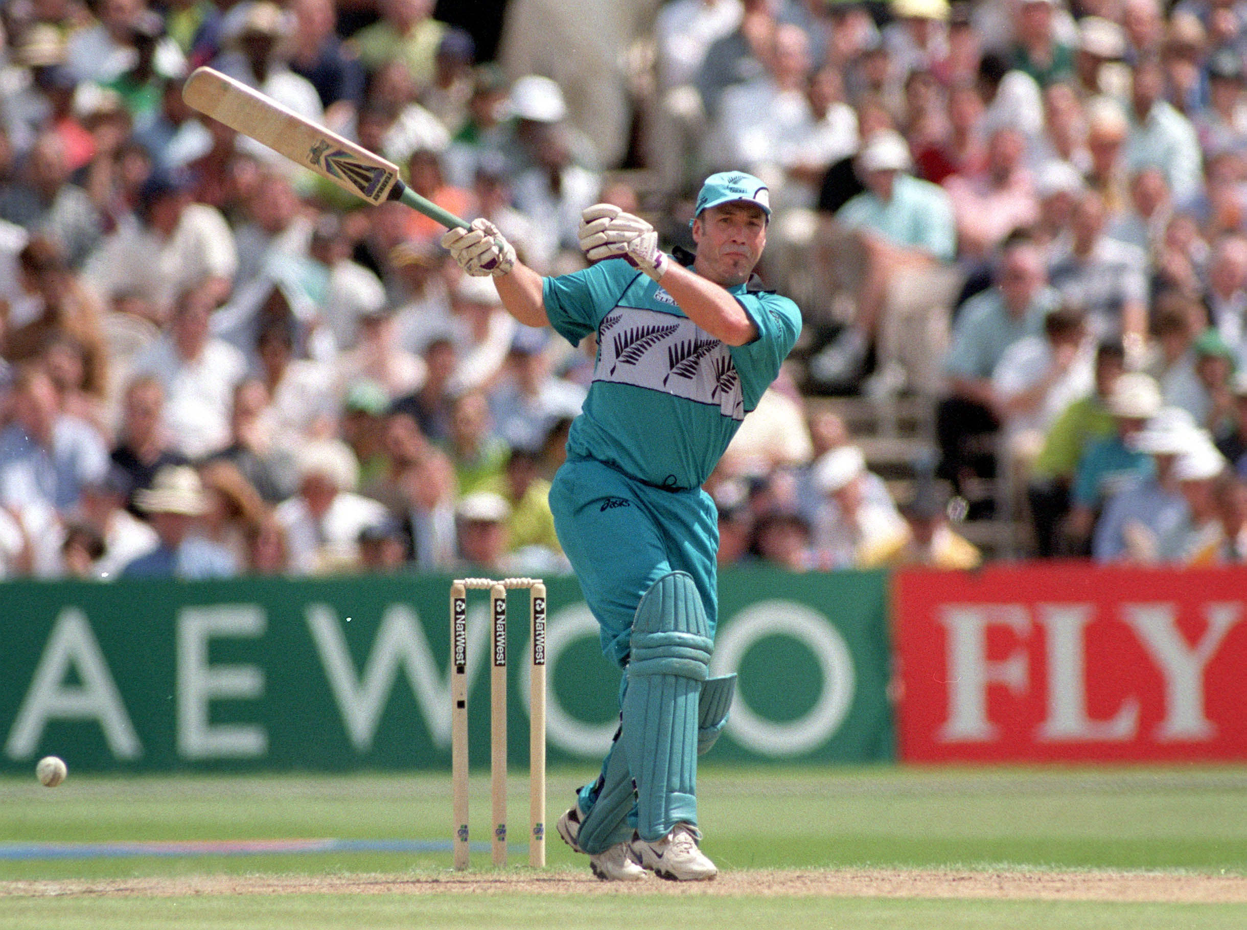 Roger Twose was a New Zealand former middle, born on 17 April 1968 in Torquay, Devon, England. He played 16 Tests and 87 ODI's for black caps in the late 1990s.